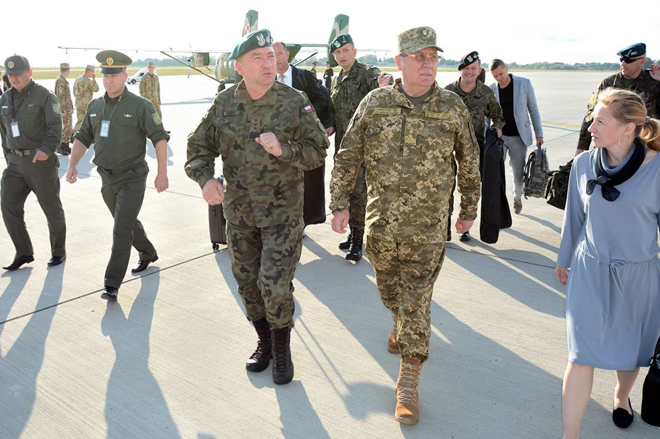В государство Украину прибыла делегация офицеров игенераловВС Польши