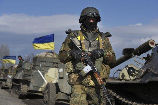 Штаб АТО сообщил об обстрелах боевиков, в ВСУ есть погибший и раненые