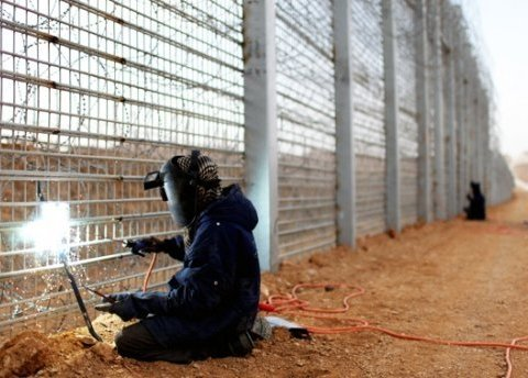 Суд арестовал первого обвиняемого по делу о хищениях на проекте «Стена»