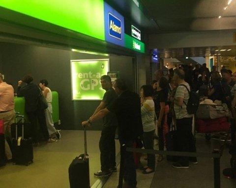 Еврокомиссия объяснила огромные очереди, которые образовались в аэропортах Европы