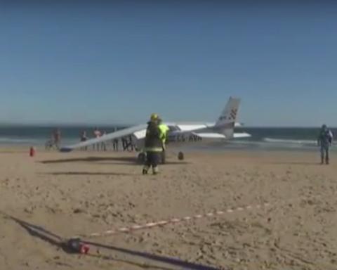 Падаючий літак вбив двох відпочиваючих на пляжі у Португалії