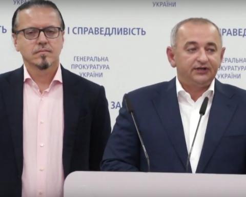 """Матіос подарував """"Укрзалізниці"""" тисячу арештованих вагонів Клименка"""