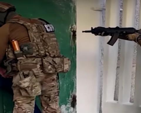 Бывшего ГАИшника из Донецка задержали на торговле э-ключами, опубликовано видео