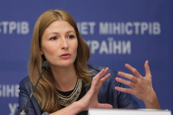 Джапарова: Нацсовет ограничил трансляцию 77 русских каналов