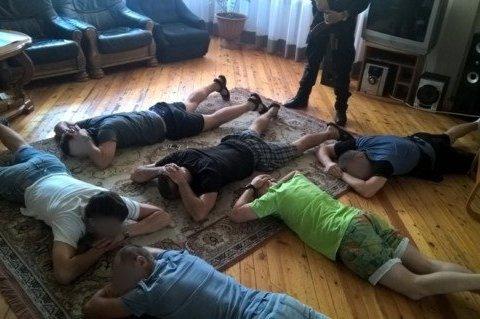 На Київщині в ребцентрах залежність лікували бітами та психотропами, є відео