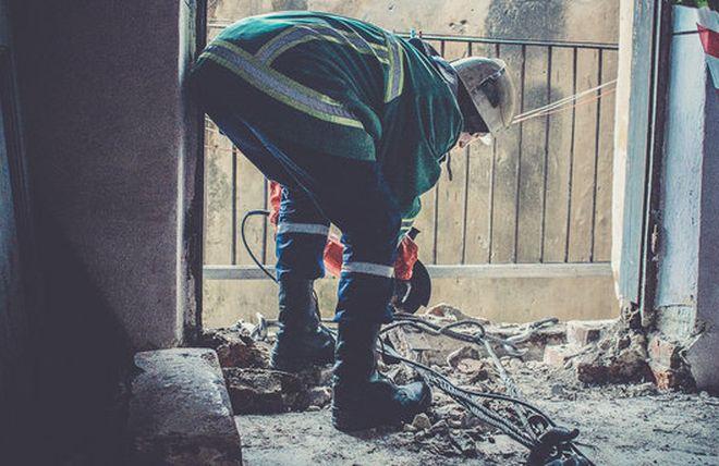 У Маріуполі обвалився балкон, загинула людина