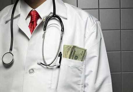 Начальника больницы в исправительной колонии на Житомирщине разоблачили во взятке