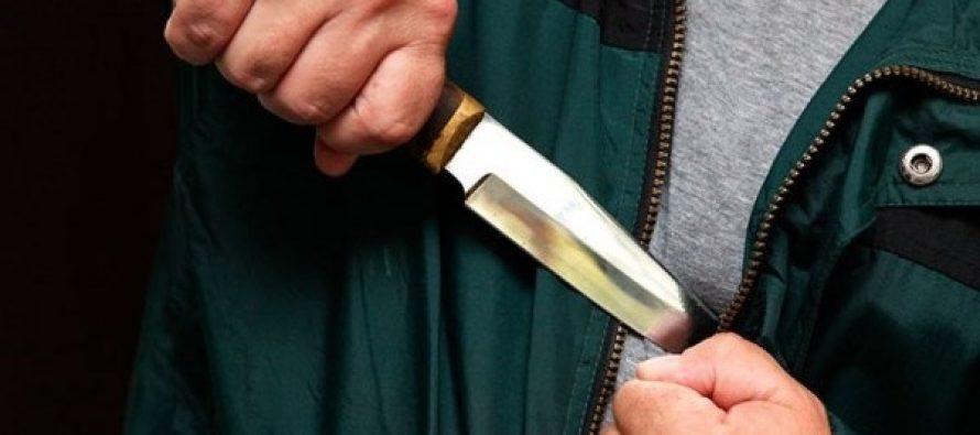 У російському Сургуті чоловік з ножем напав на людей, багато поранених