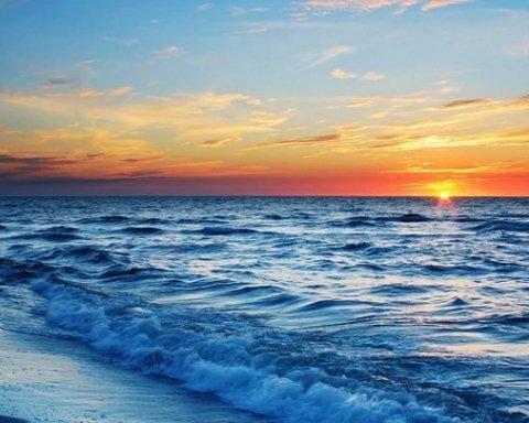 Парень уснул на батуте и провел трое суток в открытом море