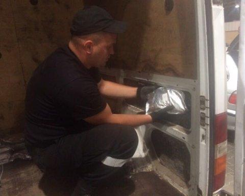На границе с Польшей задержали 27 кг белого порошка, опубликовано видео