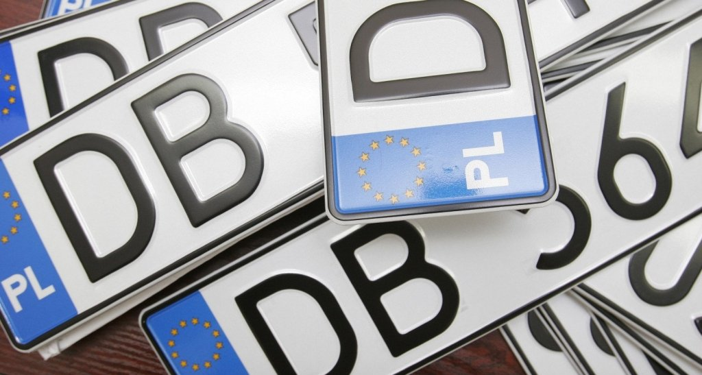 Авто з іноземними номерами: влада готує водіям неприємний сюрприз