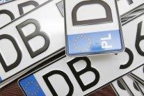 Автомобили с иностранными номерами: власть готовит водителям неприятный сюрприз