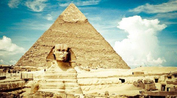 В Киеве аферисты «кинули» на отдых в Египте десятки людей, фото