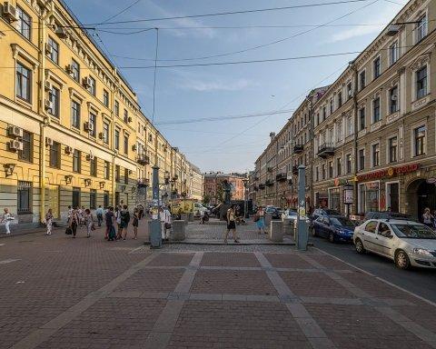 У Росії авто в'їхало в групу людей, є загиблі