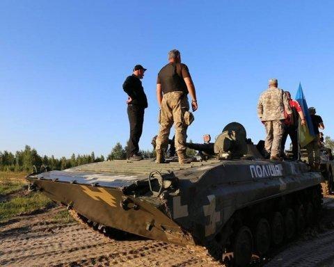 Відновлені поліцейськими броневики допоможуть боротися із бойовиками в зоні АТО, є фото