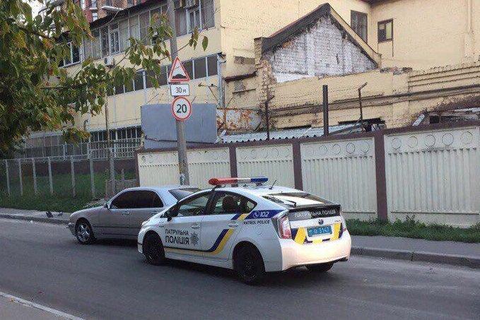 ВКиеве полицейский уснул зарулем ивъехал вавтомобиль