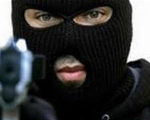 В Запорожье произошло дерзкое нападение на фермера, преступники украли огромную сумму денег