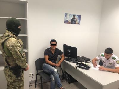 У Борисполі затримали іноземця-збоченця, якого розшукував Інтерпол