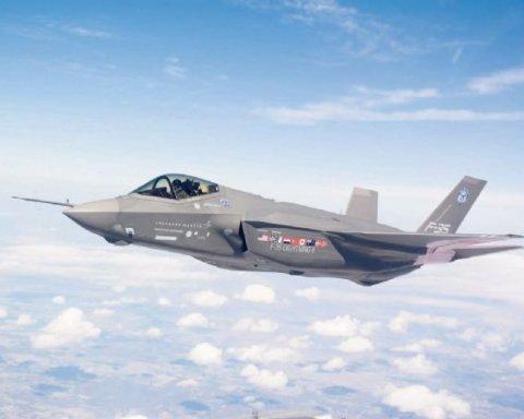 ВВС НАТО перехватили российские военные самолеты в небе над Эстонией