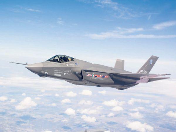 Винищувачі НАТО перехопили трійку російських літаків над Балтійським морем