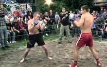 Бої без правил стають популярні у Києві (відео)