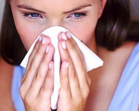 Лікарі попереджають про розгул небезпечної інфекції: що потрібно знати і як вберегтись