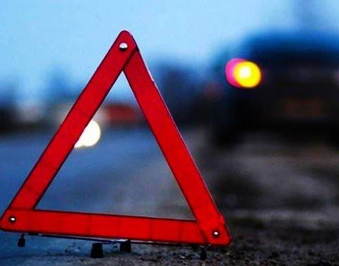 Жуткое ДТП на трассе в Киеве: семь человек пострадали (фото)