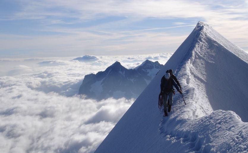 ПосольствоРФ вВеликобритании объявило Эверест территорией России