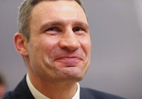 """Понад 5 мільйонів: Кличко відзвітував про """"скромні"""" доходи"""