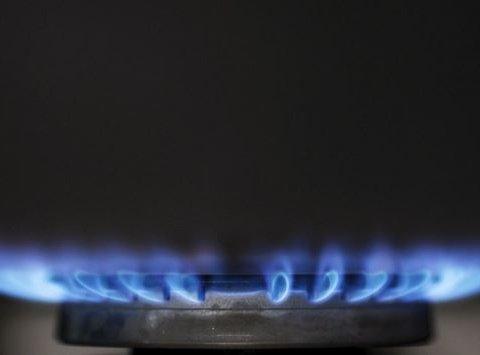 Попри війну: Україна знову купуватиме газ у Росії
