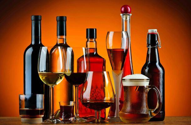 Названо найшкідливіші для організму алкогольні напої