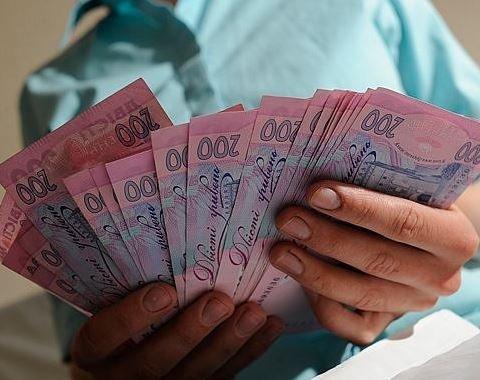 Части украинцев с большим стажем увеличат пенсии