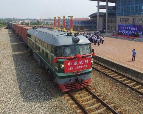 Из Китая в Европу отправился первый грузовой поезд с электроникой