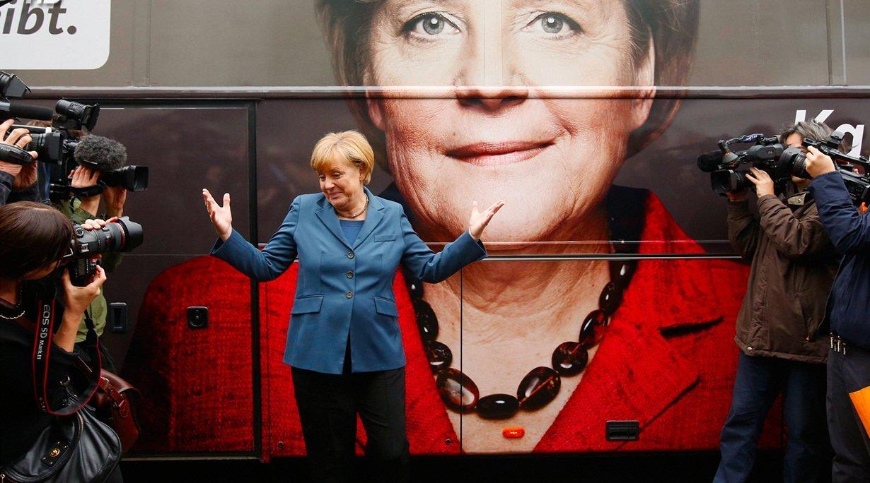 Меркель запела джаз напредвыборном митинге