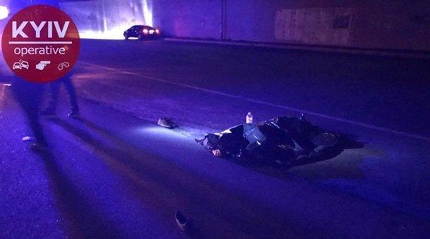 Велосипедист, пересекая шесть полос дороги, умер под колесами автомобиля