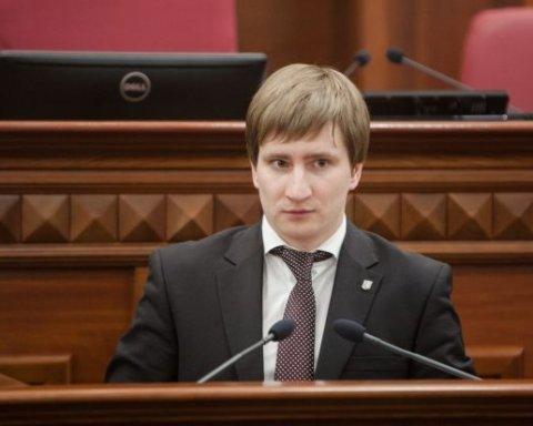 Скандальний заступник Кличка зробив гучний жест, але про диплом ні слова