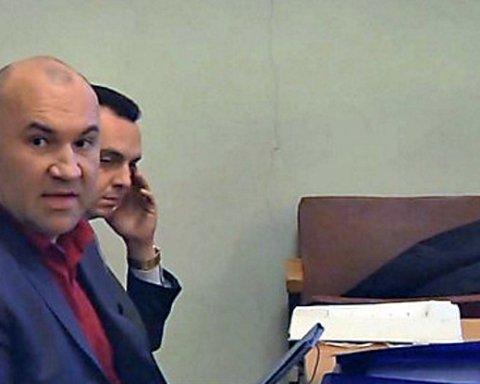 Суд арештував у судді ВАСУ більше 100 тисяч долларів