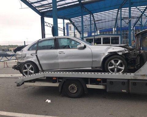На Львівщині СБУ виявила у розбитій автівці гашиш на 10 млн гривень, фото
