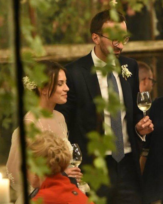 Народный депутат Лещенко гуляет свою свадьбу вогромной… оранжерее— смотрите кадры спраздника