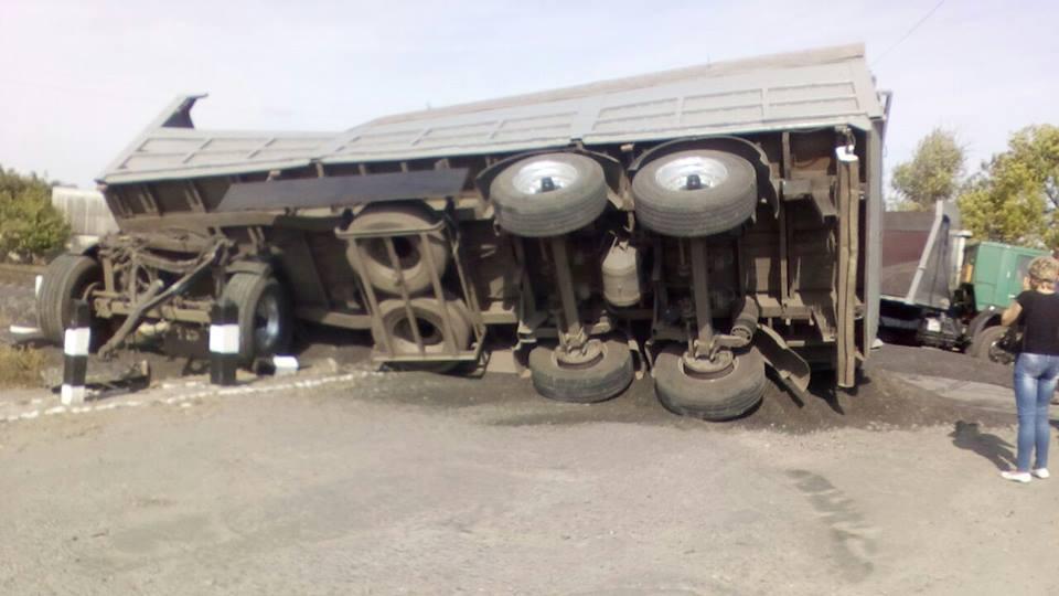 Поезд протаранил фургон вХарьковской области