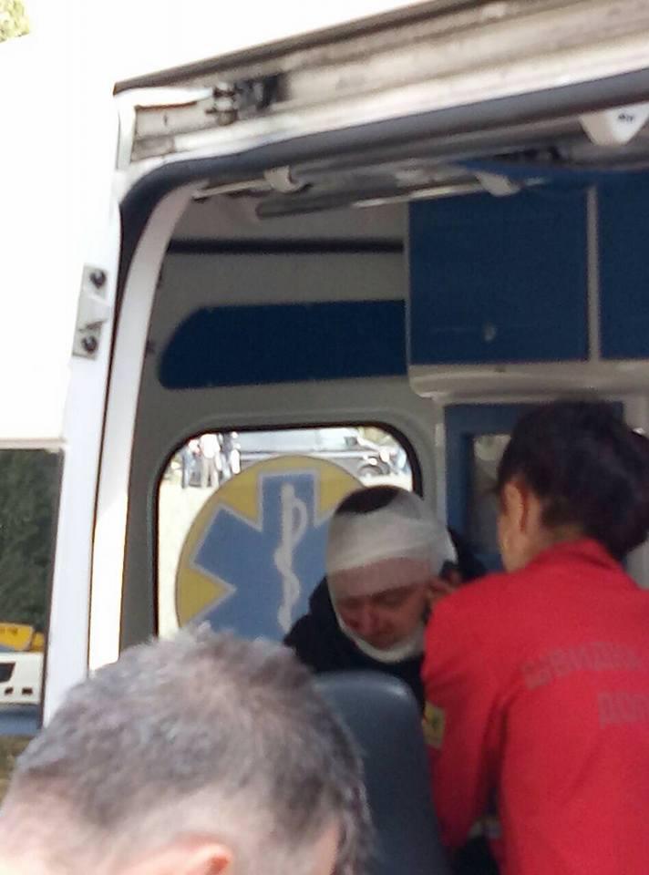 Захоплення спортбази у столиці: кияни прогнали рейдерів (фото)