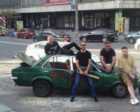 В Киеве средь бела дня жестко наказали «героя парковки» (фото)