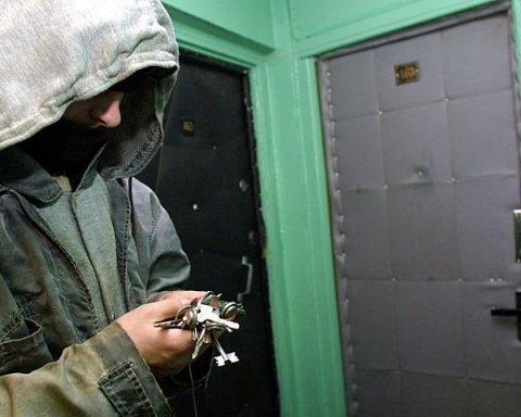 Где в Киеве чаще всего грабят квартиры: список опасных районов