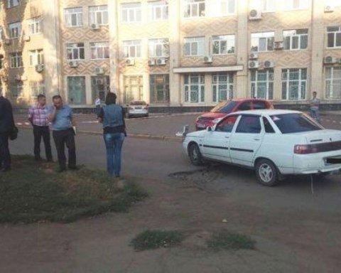 """В Миколаєві конфлікт на дорозі закінчився стріляниною, поліція ввела план """"Перехоплення"""""""
