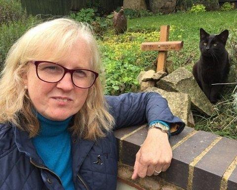 Чудо воскресения: похороненный кот вернулся к своей хозяйке