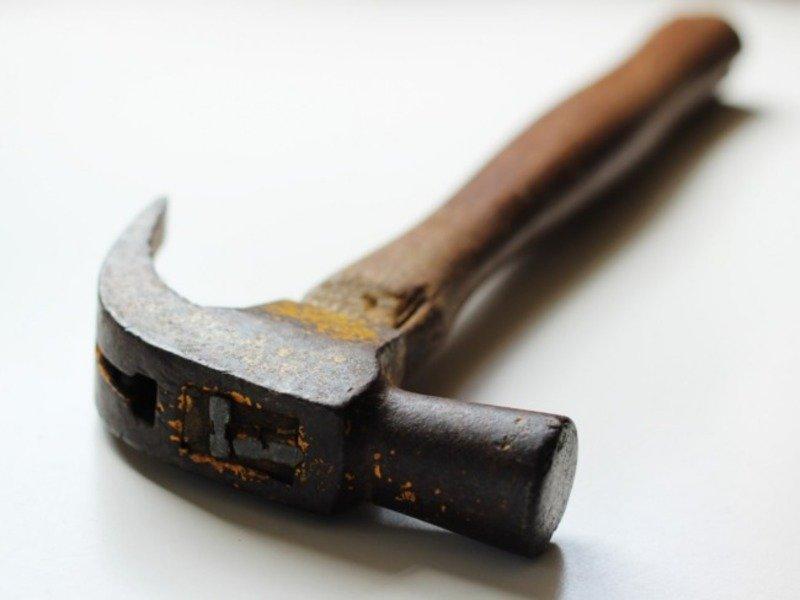 Зухвалий напад на киянку з молотком: у справі з'явилися подробиці