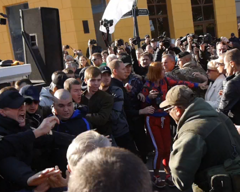 Драка под грузинскую лезгинку: как в Одессе Саакашвили встречали (видео)