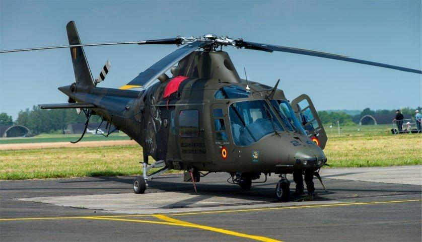 ВБельгии военный выпал извертолета вовремя показательных выступлений