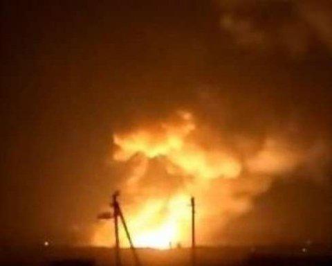 Вибухи на складах у Калинівці: 700 ліквідаторів намагаються погасити вогонь (відео)