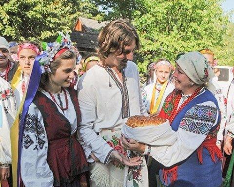 Киевляне в восторге от услуги «брак за сутки»